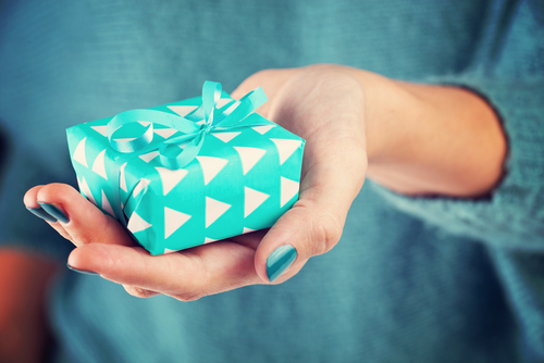 7 Ways to Reduce the Stress of Gift Giving